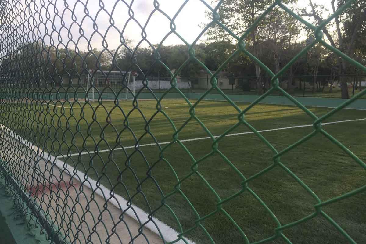 Construcción cancha de fútbol batallón