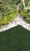 Ideas para la decoración de jardines y usos de la grama sintética en el diseño de paisajes