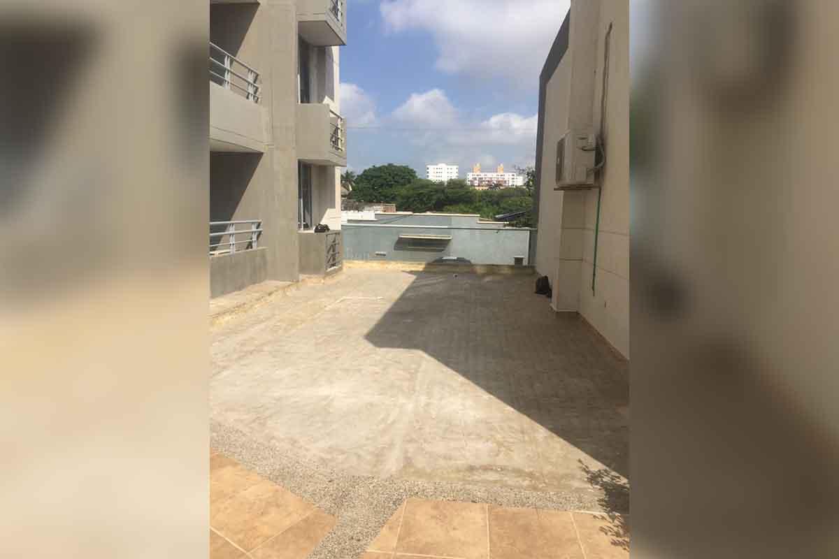 Instalación de grama sintética paisajista en Barranquilla