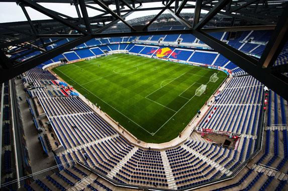 grama sintética para fútbol es tendencia en Estadio Wals Siezenheim