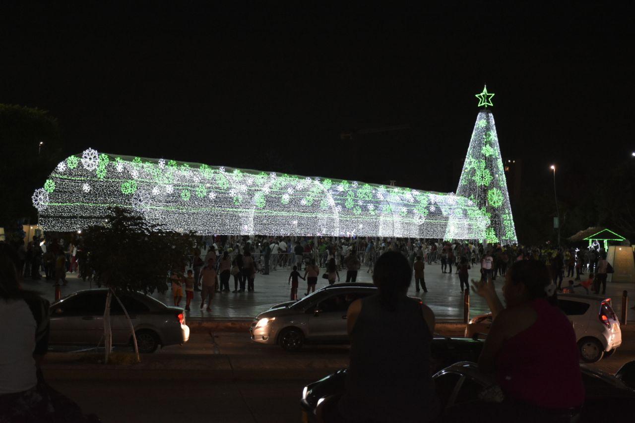 alumbrados navideños plaza de la paz barranquilla