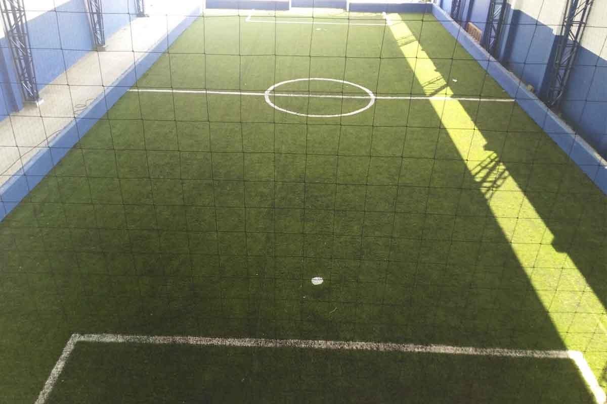 jugar futbol en cancha sintetica soccer 44 en barranquilla