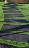 decorar con grama sintética y usos de la grama sintética en el diseño de paisajes