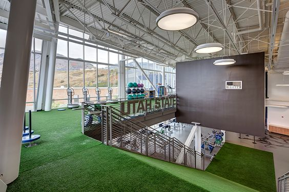 césped artificial en gimnasios ideas de decoración con grama sintética para gym