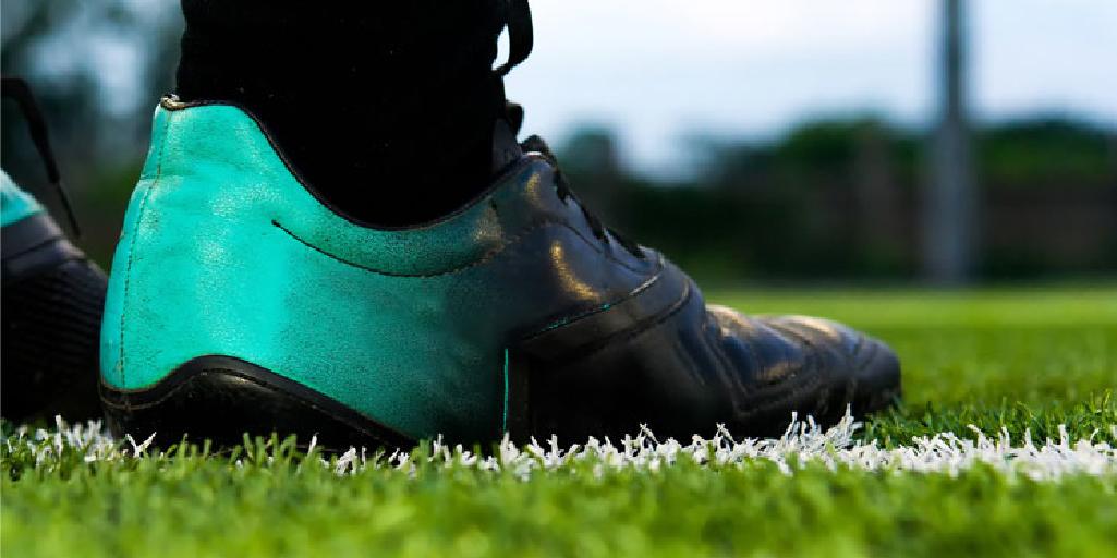 Zapatos para jugar en canchas sintéticas: ¿Qué tipo de