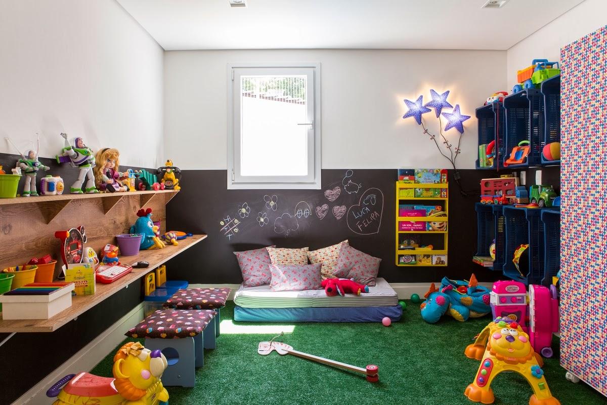 pisos seguros para los niños, grama sintética