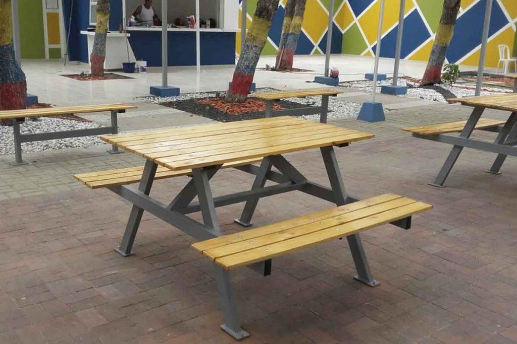 mesas de picnic mobiliario urbano en parques