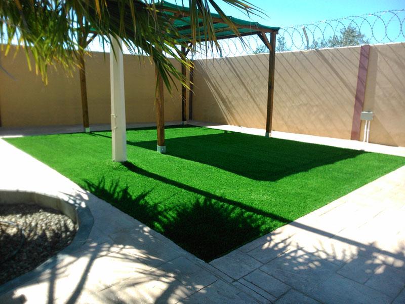 grama sintética en tu hogar en patios