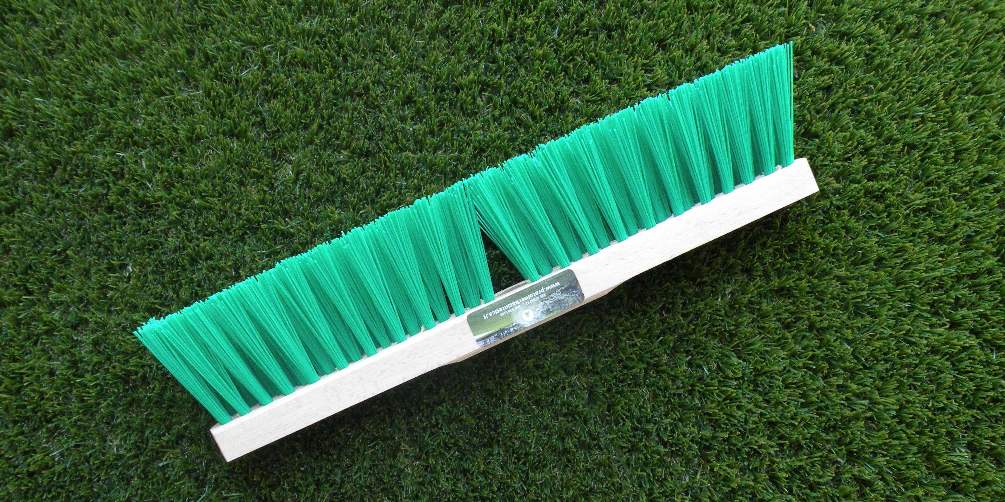 cómo limpiar grama sintética en interiores y habitaciones infantiles