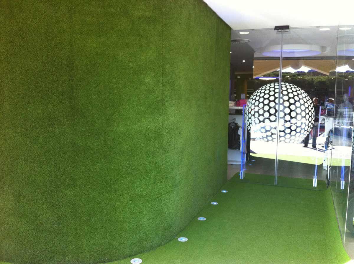grama sintética en paredes