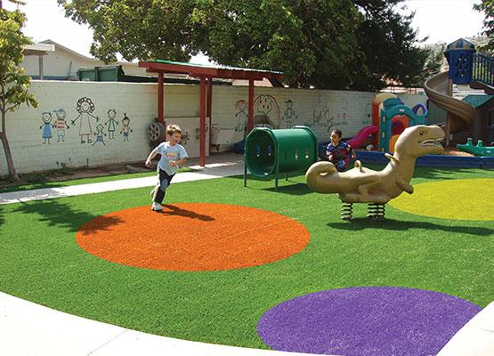 parques con grama sintética de colores