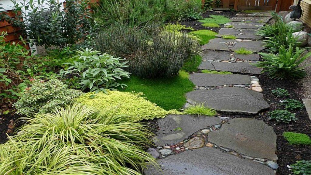 caminos de jardín con piedras naturales